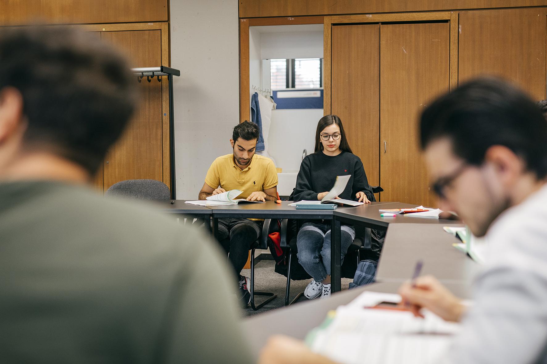 Geflüchtete Studierende der Hochschule Karlsruhe im Programm esi international. Foto Copyright Quirin Leppert